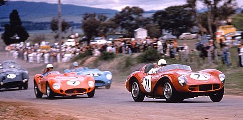 """A imagem """"http://aussieroadracing.homestead.com/Sportscars-500.jpg"""" contém erros e não pode ser exibida."""